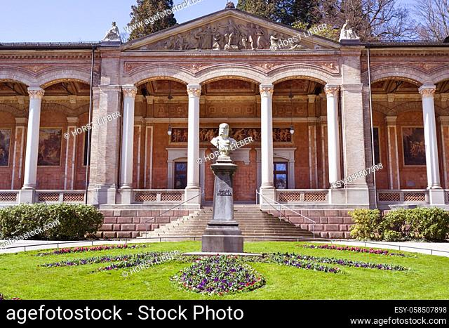 Monument of Wilhelm l in front of the foyer in the spa gardens of Baden Baden. Baden Wuerttemberg, Germany, Europe