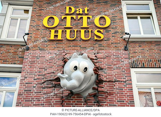 "22 June 2019, Lower Saxony, Emden: """"Dat Otto Huus"""", in front of which the first Otto traffic light was put into operation"
