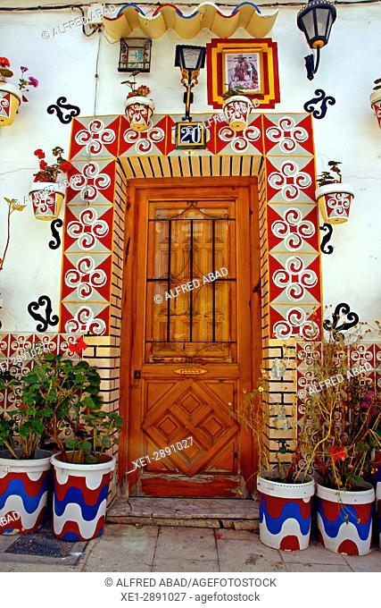 Door, neighborhood of Santa Cruz, Alicante, Spain