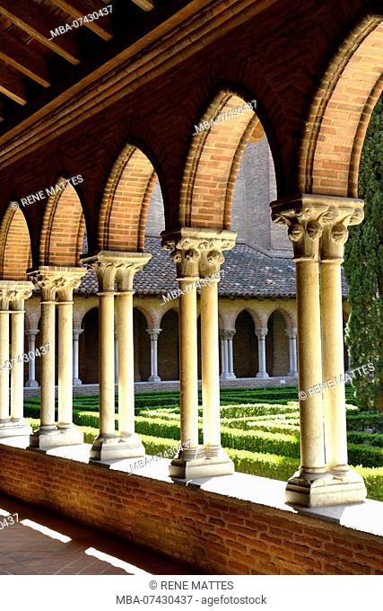France, Haute Garonne, Toulouse, Jacobin convent, cloister