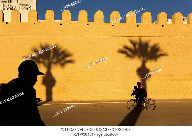 Tunez: Kairouan  Ramparts of the medina