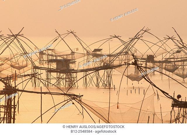 Thailand, Phatthalung, Shore-operated lift net, Sunrise