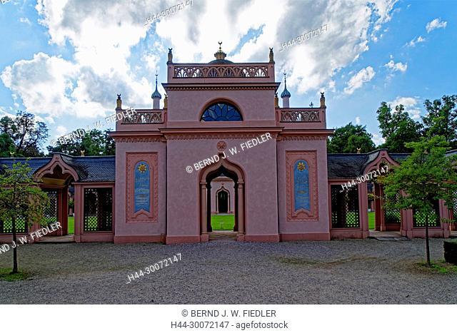 Schloss, Schlosspark, Gebetsgänge, orientalisch