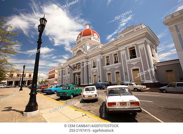 Parque Jose Marti and the colourful Ayuntamiento City Hall Cienfuegos, Cuba, West Indies, Central America