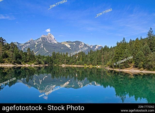Der Urisee ist ein kleiner Badesee bei Reutte in Tirol und besonders beliebt bei Tauchsportlern