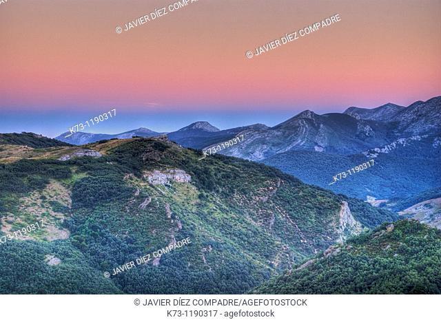 Mountain Range. Fuentes Carrionas y Fuente-Cobre Montaña Palentina Natural Park. Palencia Province. Castilla y Leon. Spain