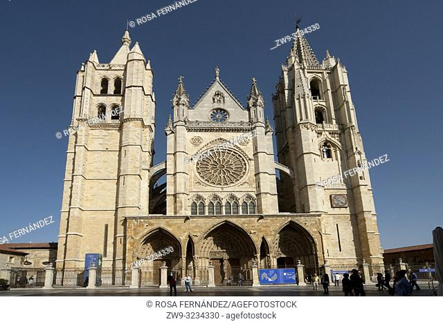 Main facade, Cathedral of Santa María de Regla, city of Leon, province of León, Castilla y León Region, Spain, Europe