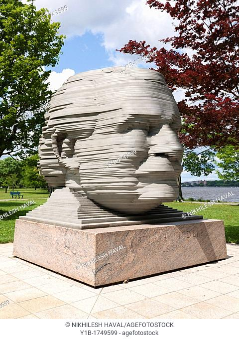 Arthur Fiedler sculpture, Boston