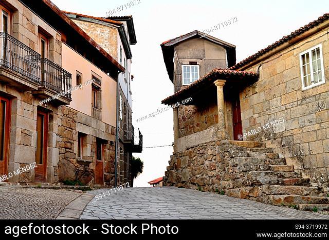 Square and street of Vilanova dos Infantes, Orense, Spain