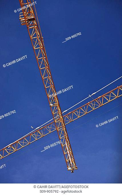 Spain, Cataluna, Barcelona, Sagrada Familia, Construction crane on the site of the Sagrada Familia
