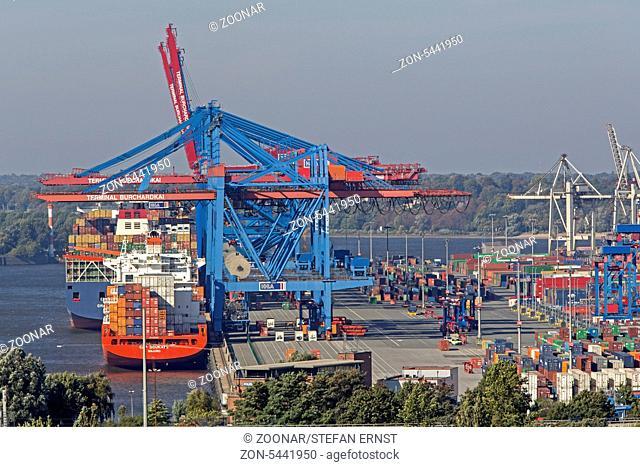 Blick von der Köhlbrandbrücke auf den Hamburger Hafen, Hamburg, Deutschland, Europa / View over Hamburg harbour from Köhlbrandbridge, Hamburg, Germany, Europe