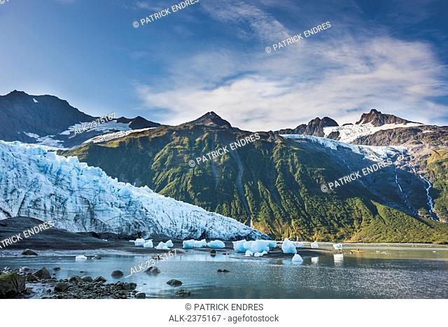 Sea Kayakers explore the tidewater Harriman glacier, Harriman Fjord, Chugach mountains, Chugach National Forest, Prince William Sound, southcentral, Alaska