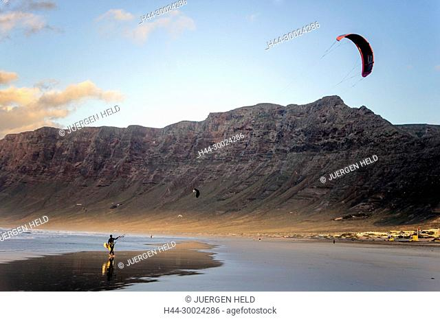 Famara Beach, Kite Surfer, Lanzarote, Canary Islands, Spain