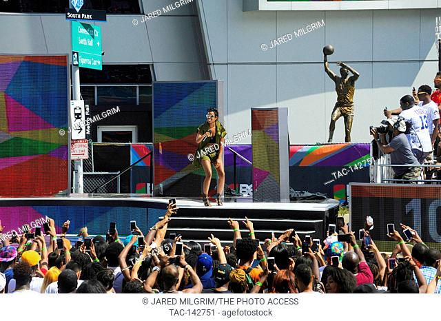 Dej Loaf performs at the live filming of BET 106 & Park at LA Live during the BET EXPERIENCE on June 26th, 2015 in Los Angeles, California