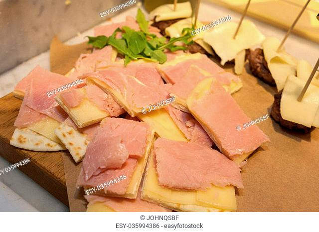 cheese and ham sandwitches
