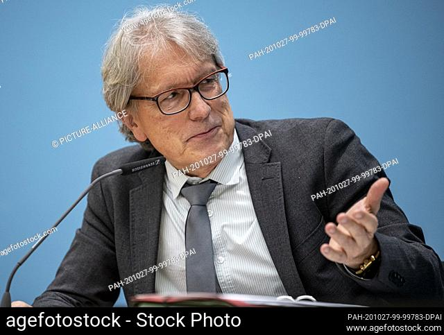 27 October 2020, Berlin: Matthias Kollatz (SPD), Senator of Finance of Berlin, speaks at a press conference of the Berlin Senate