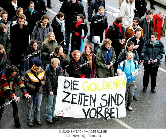 DEU, Germany, Essen : Demonstration of students against study-fees at public universitys