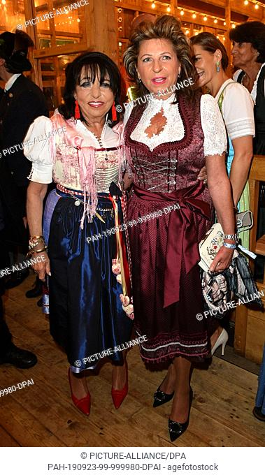 23 September 2019, Bavaria, Munich: Hostess Regine Sixt (l), rental car Sixt, and entrepreneur Babette Albrecht, co-owner of the companies Aldi Nord and Trader...