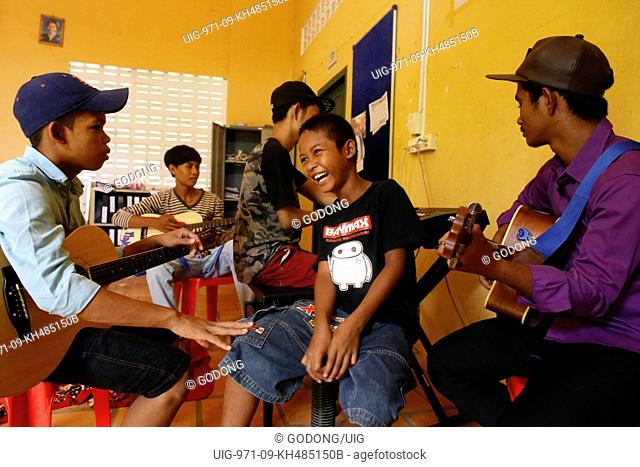 Phare Ponleu Selpak music school