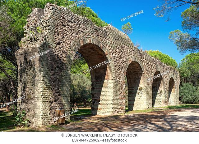 Roman aqueduct in the park Aurelien, Frejus, Var, Provence-Alpes-Cote d`Azur, France, Europe