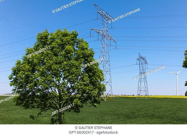 WIND ENERGY, NEAR AMIENS, (80) SOMME, PICARDIE, FRANCE