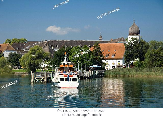 Excursion boat landing at Fraueninsel island, Chiemsee lake, Chiemgau, Upper Bavaria, Bavaria, Germany, Europe