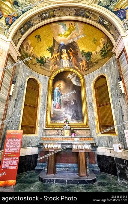Cappella del Sacro Cuore (Chapel of Sacred Hearth of Jesus). Above the altar the painting (1891) by O. Orazi depicting Saint Margaret Mary Alacoque is kneeling...