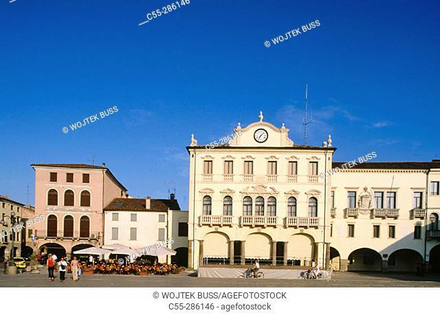 Este's main square (Piazza Maggiore). Veneto. Italy