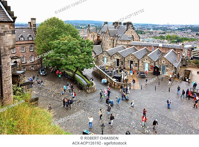 Middle ward of Edinburgh Castle that encompasses the Military Hospital (left), Mills Mount Battery (centre back) and the Carshed/cafe (centre right)