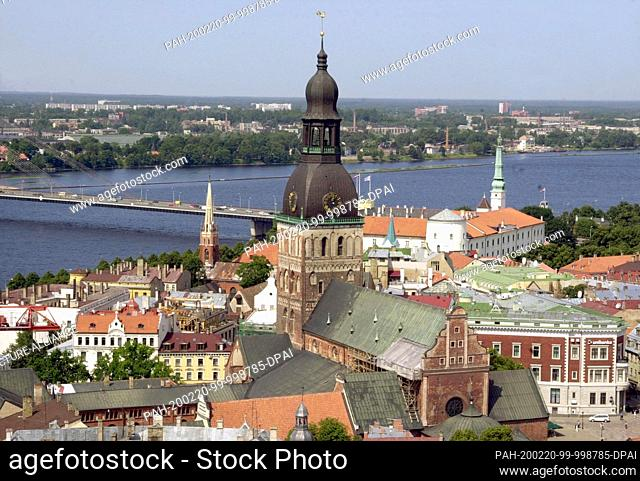 25 July 2001, Latvia, Riga: View from the St. Petri church to the old town with the cathedral St. Marien (M). The Cathedral is the cathedral church of the...