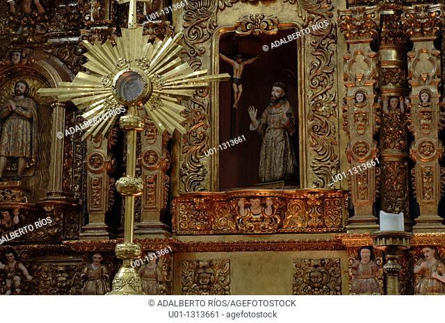 Altarpice. Capilla de la Tercera Orden de San Francisco. Conjunto Catedralicio de Cuernavaca. Cuernavaca. Morelos. Mexico