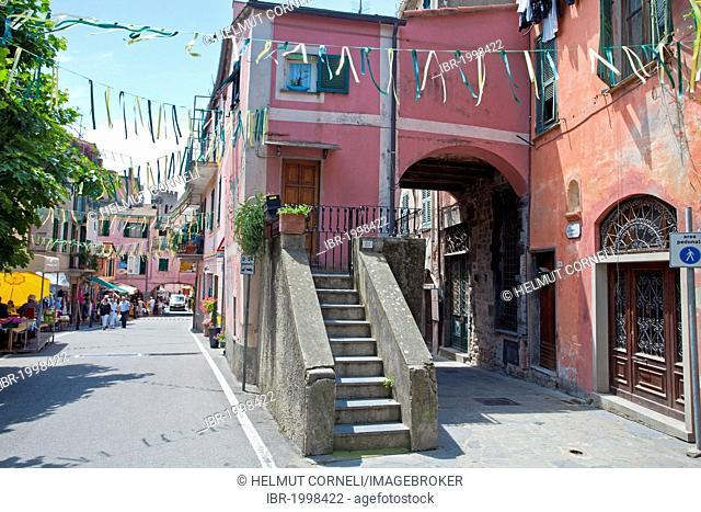 Old town alley with arcade, Monterosso al Mare, Cinque Terre, La Spezia Province, Parco Nazionale delle Cinque Terre national park, UNESCO World Heritage Site