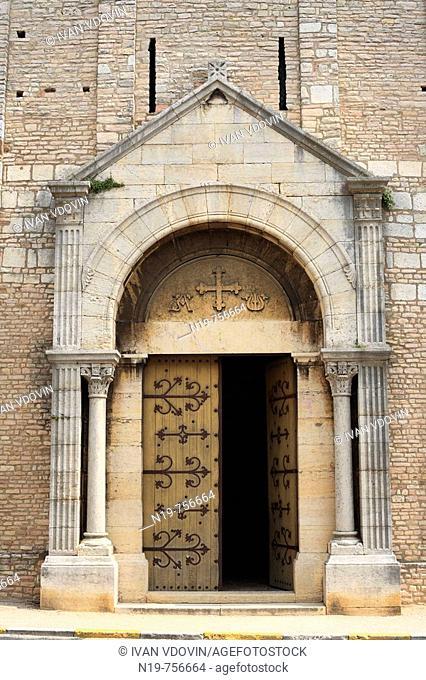 Romanesque church of St. Philibert (early 11th century), Tournus, Burgundy, France