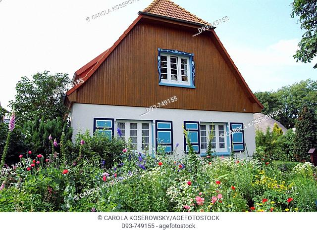 D, Germany, Europe, Mecklenburg-Western Pomerania Baltic Sea, Darss, Ahrenshoop, House, Building, typical, Holiday House, Garden