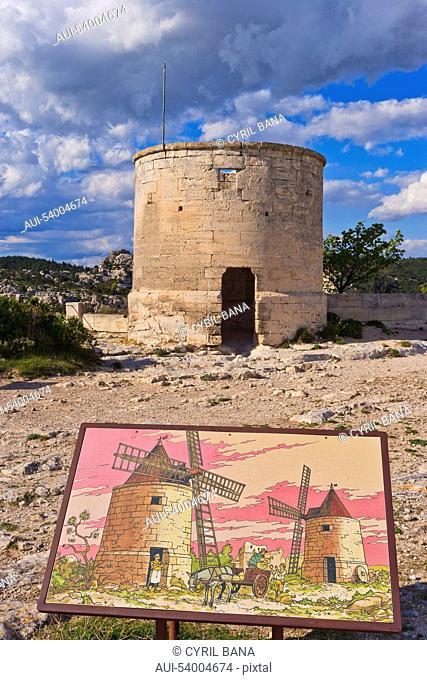 France, Provence, Les Baux de Provence, windmill
