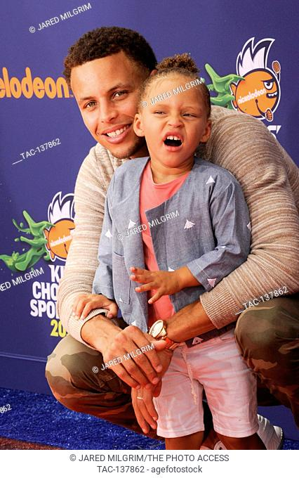 defed03491b4 (L-R) Stephen Curry and Riley Curry attend the 2015 Nickelodeon Kids Choice  Sports Awards