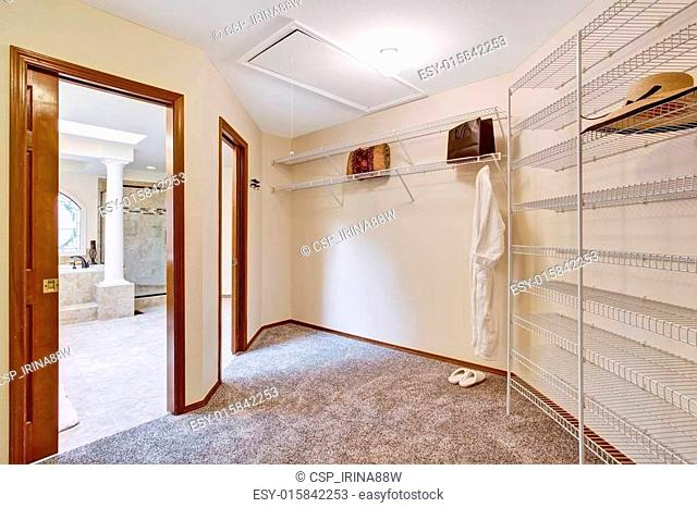 Ious Walk In Closet Inteior