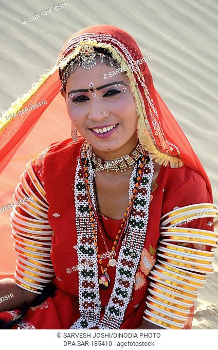 rajasthani folk dancer in Jaisalmer at Rajasthan India MR#704