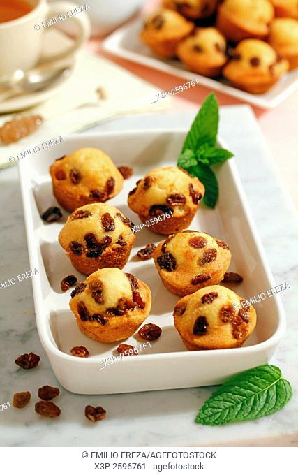 Muffins with raisins