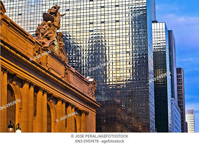 At left Grand Central Station or Grand Central Terminal, Midtown, Manhattan, New York City, New York, USA