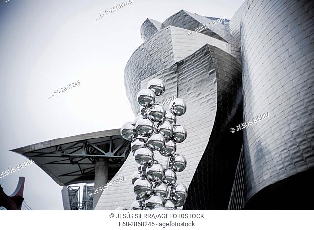The great Tree and the Eye, sculpture by Anish Kapoor and Guggenheim Museum, Bilbao, Vizcaya, Basque Country, Spain