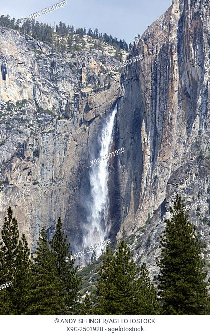 Upper Yosemite Falls, Yosemite National Park, California, USA