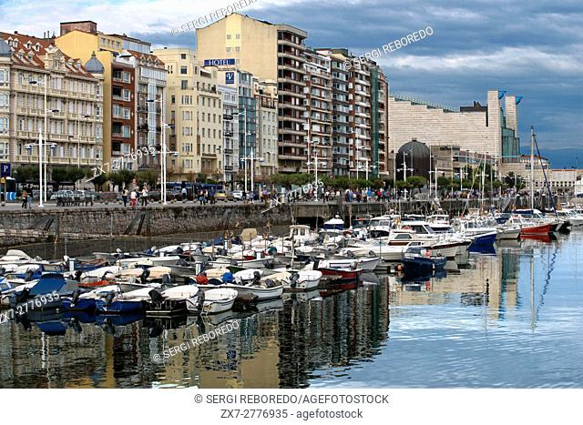Puerto Chico, Harbor and Promenade on the sea front, Santander, Cantabria, Northern Spain. One of the stops of the Transcantabrico Gran Lujo luxury train