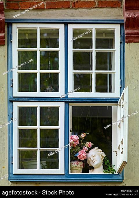 Window in the Nordseebad Otterndorf, Land Hadeln, Lower Saxony, Germany