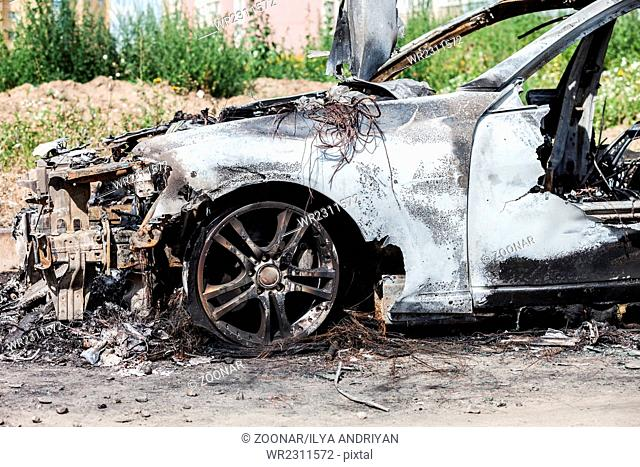 Arson fire burnt wheel car vehicle junk