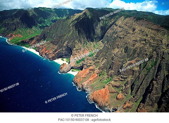 Hawaii, Kauai, Na Pali Coast, Aerial view of coastline