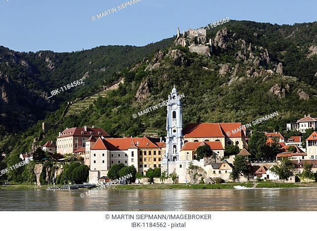 Duernstein, view from Rossatz over the Danube river, Wachau, Lower Austria, Austria, Europe