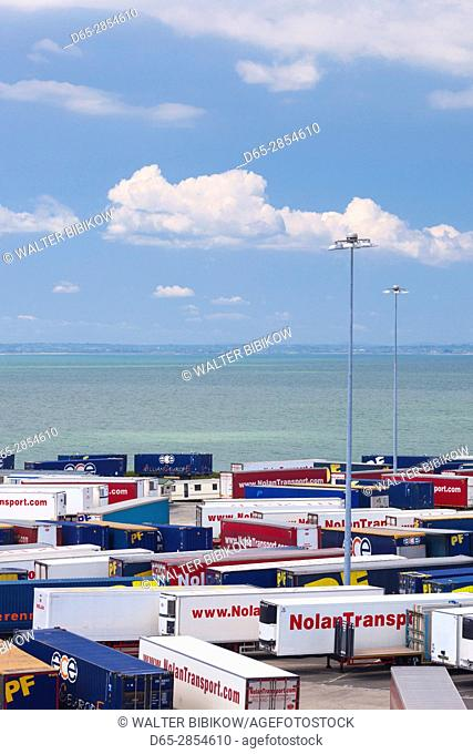 Ireland, County Wexford, Rosslare Harbour, port, cargo containers