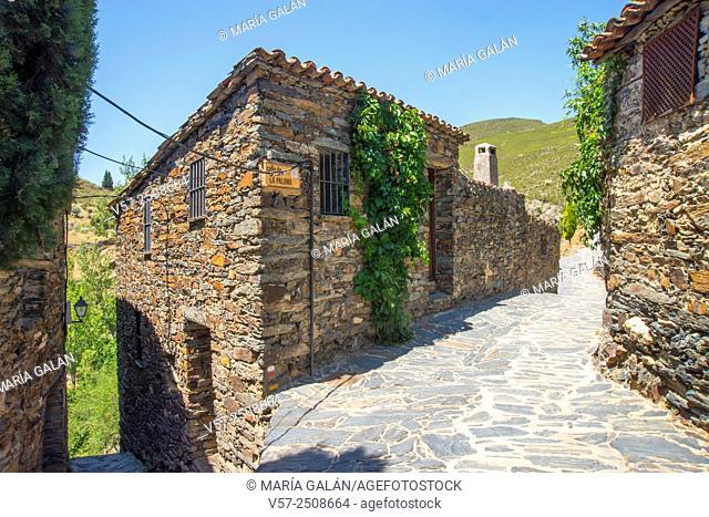 Traditional architecture. Patones de Arriba, Madrid province, Spain