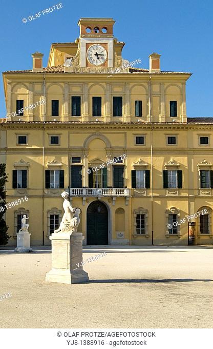The Ducal Palace was built from 1561 for Duke Ottavio Farnese on a design by Jacopo Barozzi da Vignola
